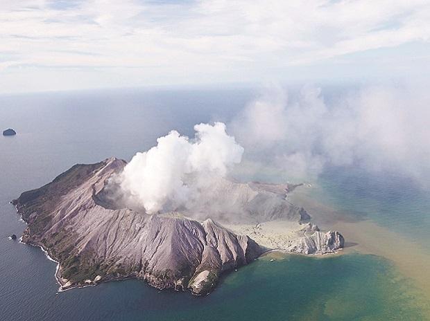 New Zealand Volcano, Volcano eruption