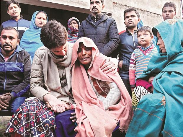 Priyanka Gandhi, victims family, protests, dead, killed, police brutality, CAA, CAB, Anti-CAA protests, citizenship bill