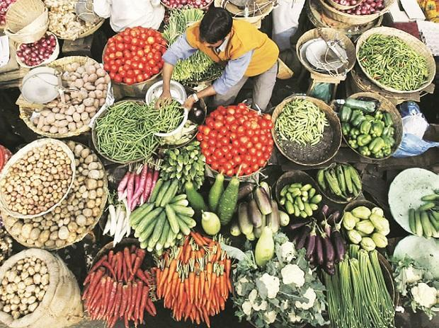 Retail inflation hits a 40-month high in Nov ( Dec 12)