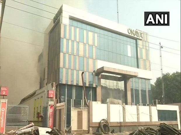 Delhi: A fire broke out at a factory in Peeragarhi early Thursday morning | Credits: @ANI