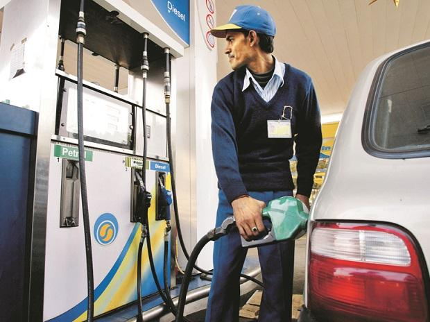 Petrol prices breach ₹75-mark in Delhi in seventh consecutive hike