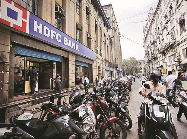 RBI slaps a fine of Rs one crore on HDFC Bank for KYC breach
