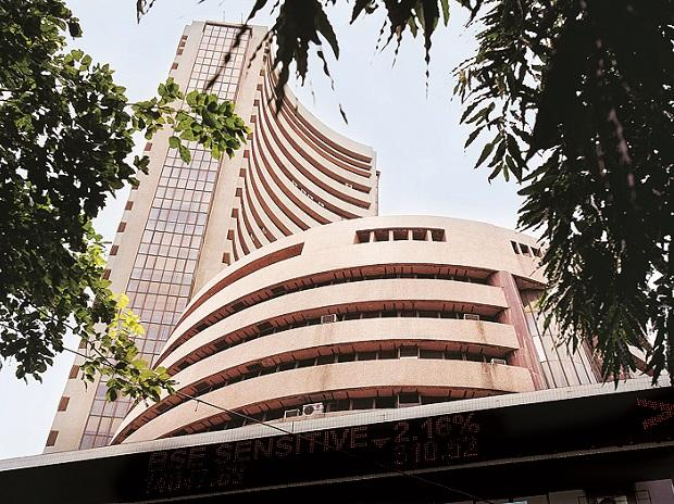 Foreign investors pour $6 bn into India stocks despite sinking economy