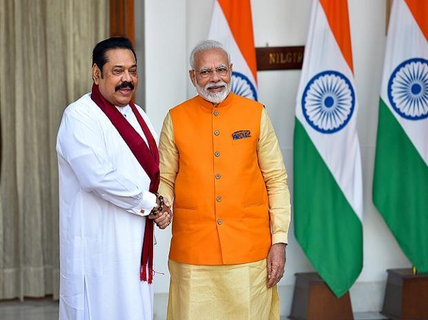 Narendra Modi, Sri Lankan Prime Minister Mahinda Rajapaksa