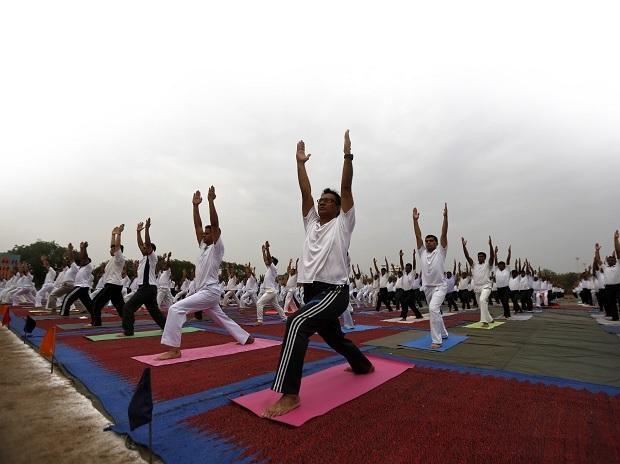 Govt asks depts to promote five-minute yoga break among its employees