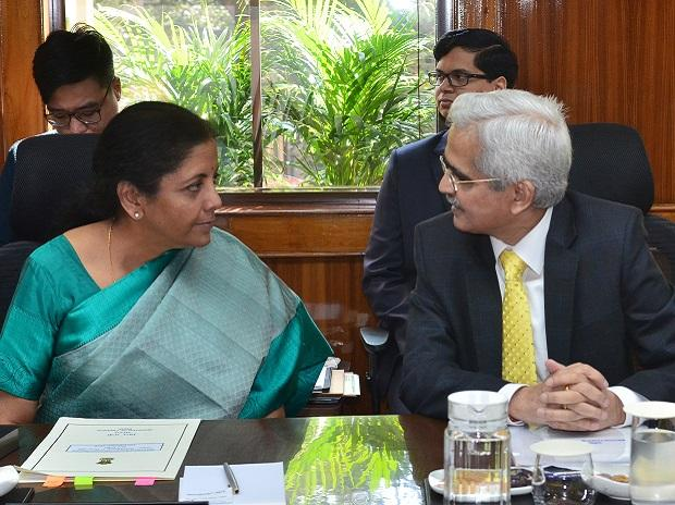 Finance Minister Nirmala Sitharaman and RBI Governor Shaktikanta  Das at a meeting on Saturday. Das refused to comment on the AGR ruling and its implicationsPhoto: Sanjay K Sharma