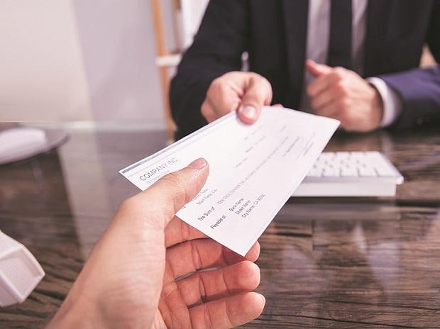 Small firms see sharp decline in staff costs amid Covid-19 pandemic | Business Standard News