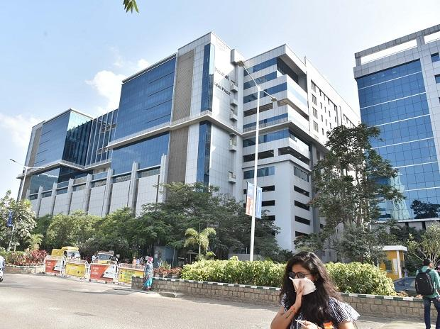 The building no. 20 in Raheja Mindspace IT Park Hyderabad evacuated on Wednesday after an DSM employee tested Covid positive | Dasarath Reddy