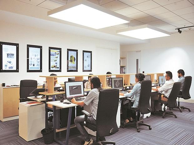 IT sector, employees, jobs, classes