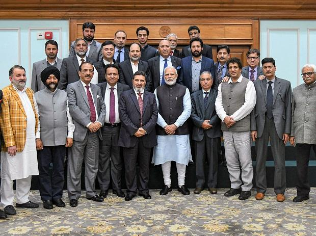 New Delhi: Prime Minister Narendra Modi pose during an interaction with a delegation led by Altaf Bukhari from Jammu and Kashmir's Apni Party, New Delhi. (PTI Photo)