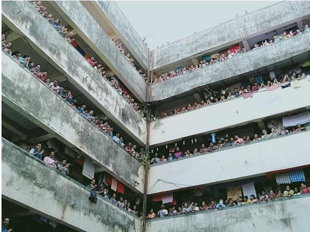 Mumbai residents come out of their homes to cheer health workers. Photo: Kamlesh Pednekar