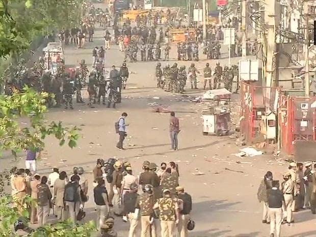 Delhi Police vacates Shaheen Bagh amid coronavirus scare | ANI
