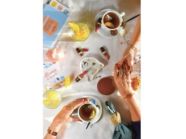 coffee, tea, snacks, relax, timepass, isolation, table, friends, painting