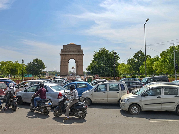 Traffic jam at India Gate following the relaxation of restrictions during the nationwide lockdown, imposed to curb the spread of coronavirus, in New Delhi. Photo: PTI