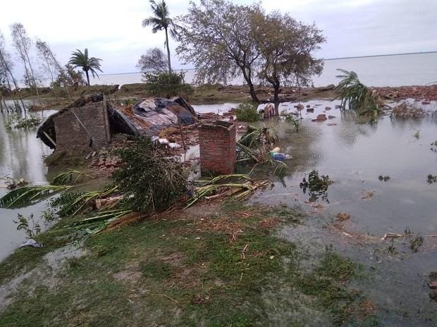 SUnders devastated after Cyclone Amphan | Photo: Twitter