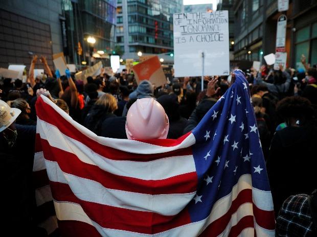 Des manifestants à Boston, Massachusetts, se mobilisent contre la mort de George Floyd en garde à vue à Minneapolis