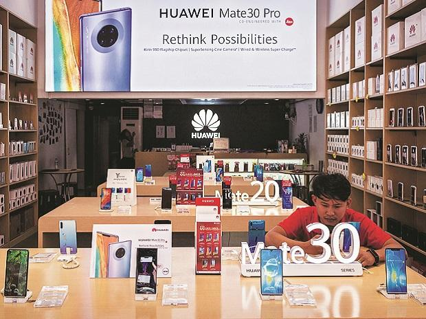 USA allows firms to work with Huawei on 5G