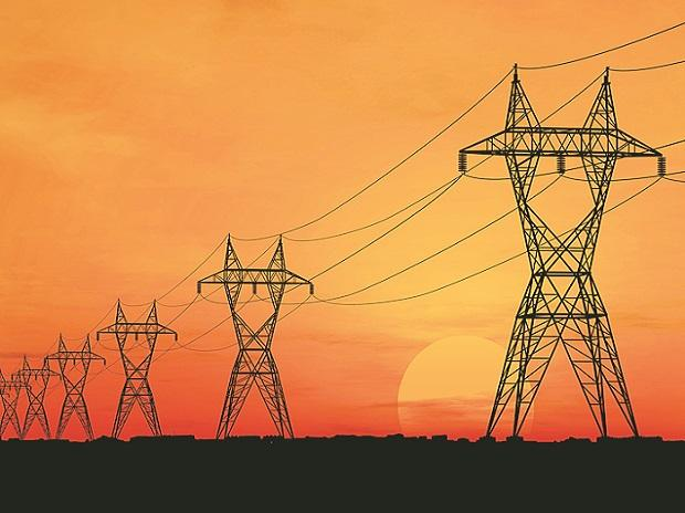 Discoms' outstanding dues to power gencos rise 37% to Rs 1.33 trn in August