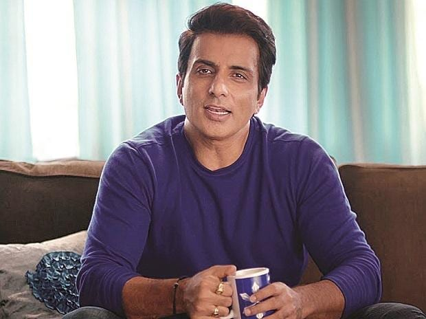 Sonu Sood receives SDG Special Humanitarian Action Award by UNDP | Business  Standard News