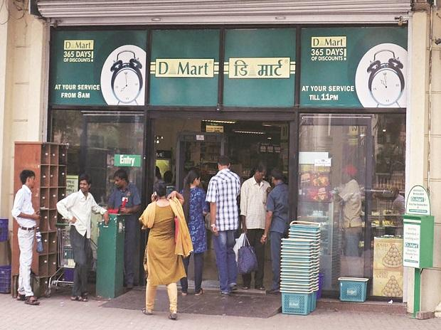 DMart shuts two Mumbai stores to take on Reliance in e-commerce space