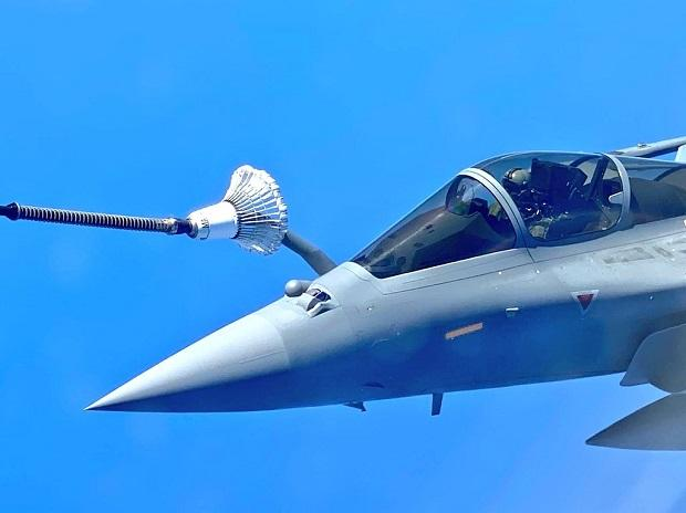 Mid-air refuelling of Rafale Jets on their way to India from France