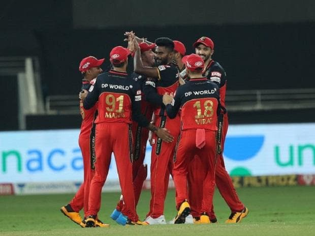 RCB celebrates after Rohit Sharma departs early