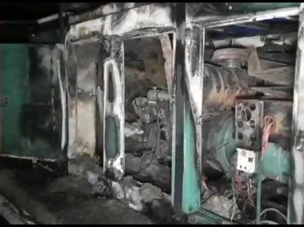 Fire that broke out at a hospital in Mulund (West) area of Mumbai was extinguished. Photo: ANI