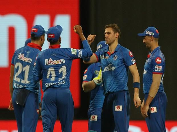 Delhi Capitals players celebrates after winning the match against RCB