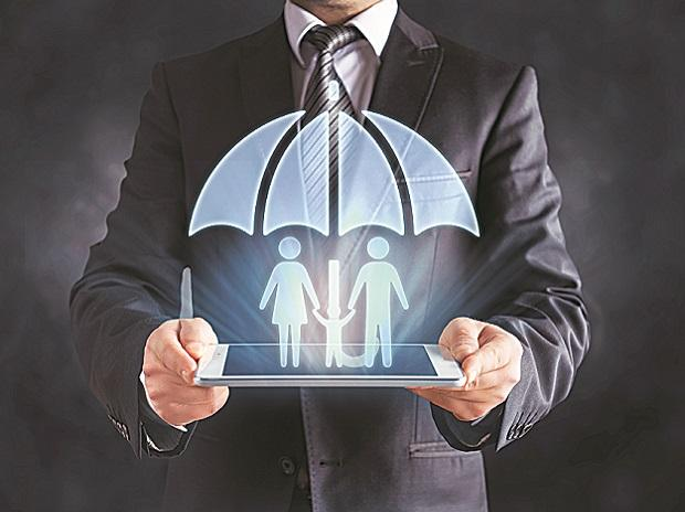 Life insurers' new business premium up 21% in February at Rs 22,425 crore thumbnail