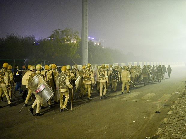 farmers' protests, police