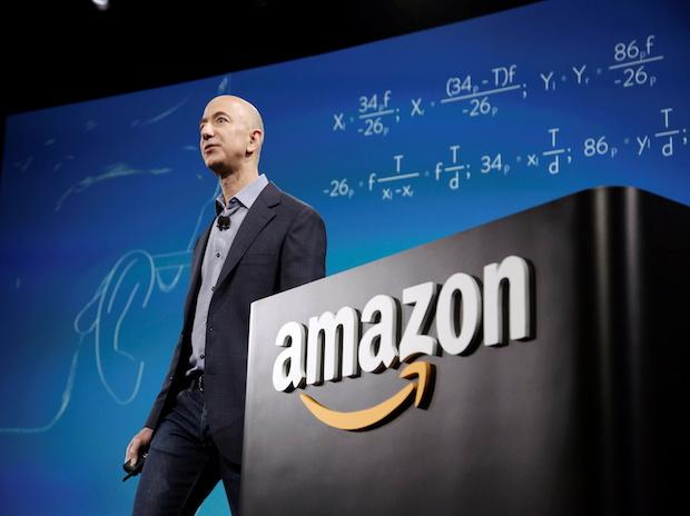 Top headlines: Jeff Bezos to step down, Twitter risks penal action, & more thumbnail