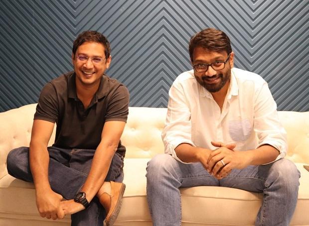 Mayank Bidawatka (Left) and Aprameya Radhakrisha (Right), Koo co founders