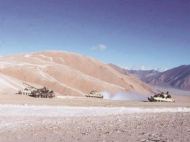 eastern Ladakh, india china border, LAC, tanks, army, Pangong lake