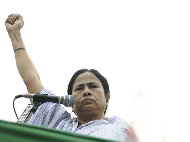 Mamata Banerjee addressing a rally. Photo: Shutterstock