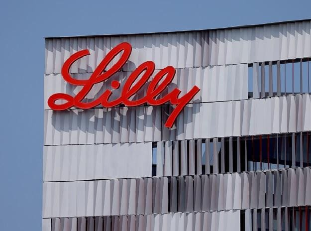 Lilly signs 3 pacts to expand availability of baricitinib for Covid patient thumbnail