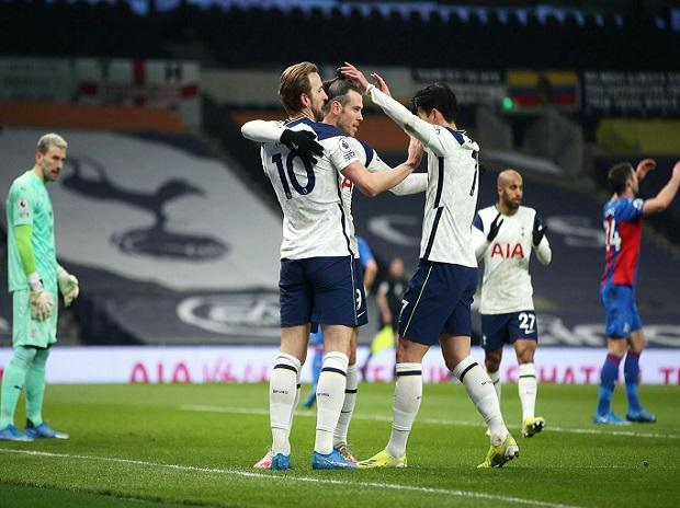 Harry Kane accepts he will be staying at Tottenham for now