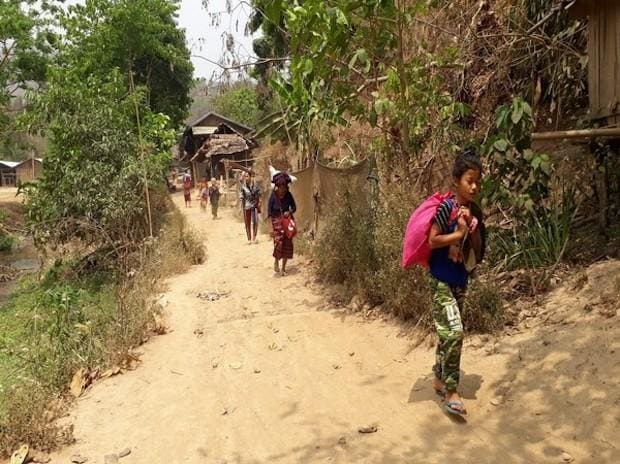 Villagers from Myanmar's Karen state escape to Thailand | Photo: ANI