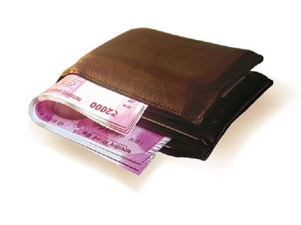 wallet, money, cash, salary, investment, spending, consumption, earnings, growth, sales