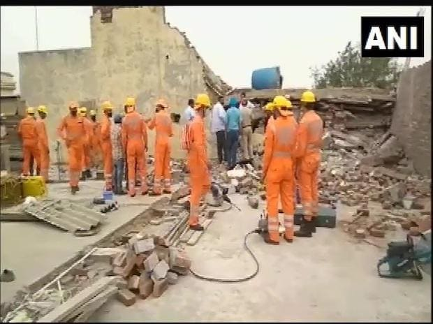 Collapsed roof | Photo: ANI
