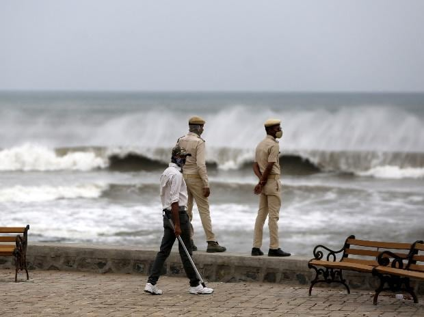 LIVE: Army on standby as Cyclone Tauktae may hit Gujarat coast on Monday