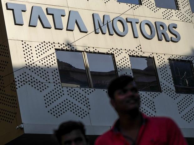 Tata Motors narrows Q4 loss on strong operational show by JLR, India biz