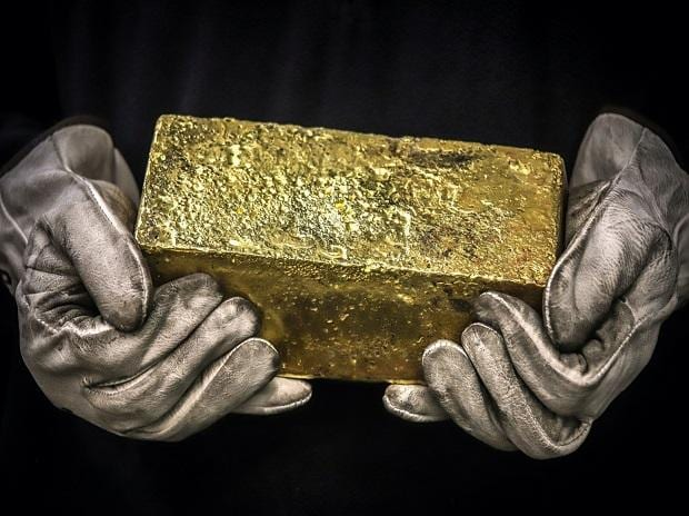 Gold price today at Rs 47,070 per 10 gm, silver trending at Rs 67,200 a kg