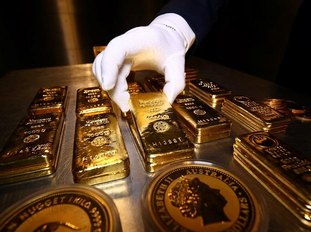 Gold price today at Rs 48,070 per 10 gm, silver selling at Rs 63,600 a kg