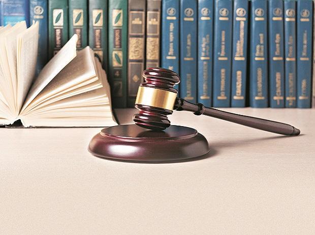 Antitrust case: HC paves way for CCI investigation against Amazon, Flipkart