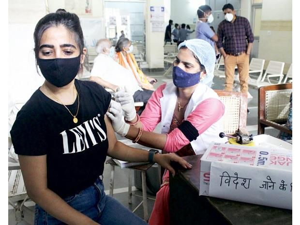 Recommending Covid-19 booster shot will be premature: WHO scientist