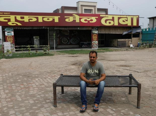 India's roadside restaurateurs count cost of coronavirus pandemic