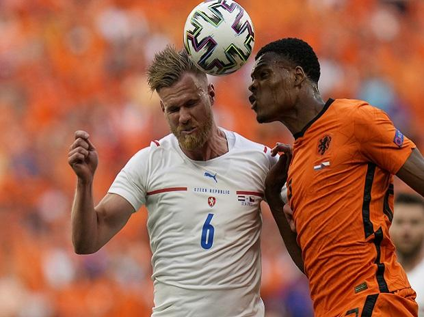 Euro 2020: Czech Republic down 10 men Netherlands, 2-0 to reach quarters