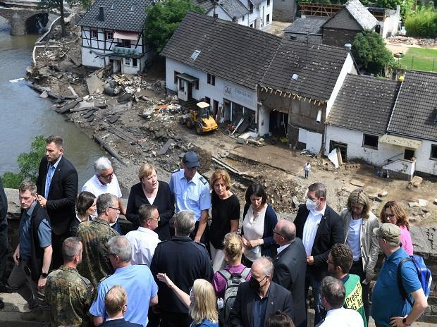 Banjir bandang melanda Bavaria ketika korban jiwa di Eropa meningkat menjadi lebih dari 180 thumbnail
