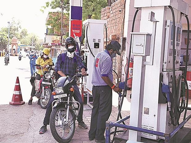 Relief for consumers; no revision in petrol, diesel prices for full week