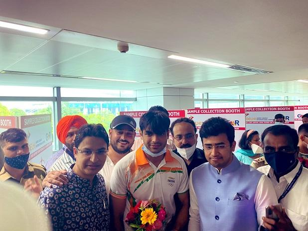 India's Olympic champions return from Tokyo, get grand reception in Delhi